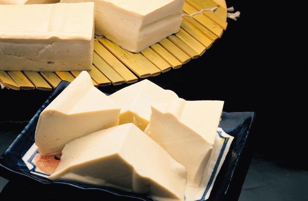 Tofu cos 39 e come si produce - Cucinare il tofu ...