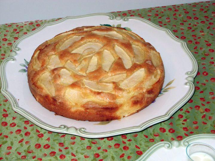 how to make eggless apple cake