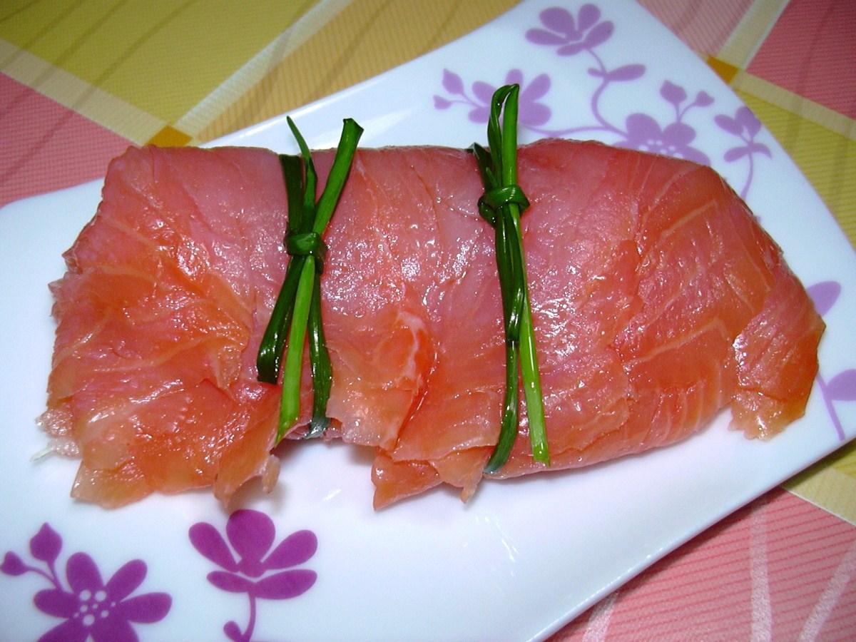 Trancio di salmone marinato alle erbe fini del carso