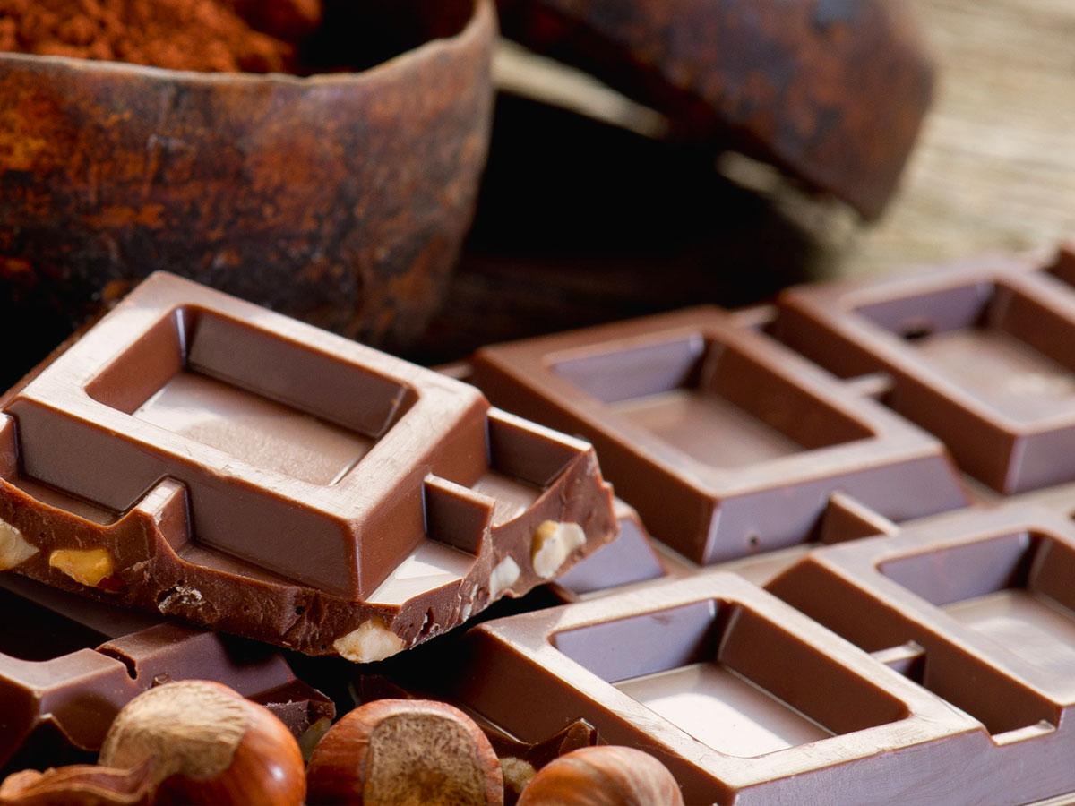 Mousse ai due cioccolati con salsa alla menta
