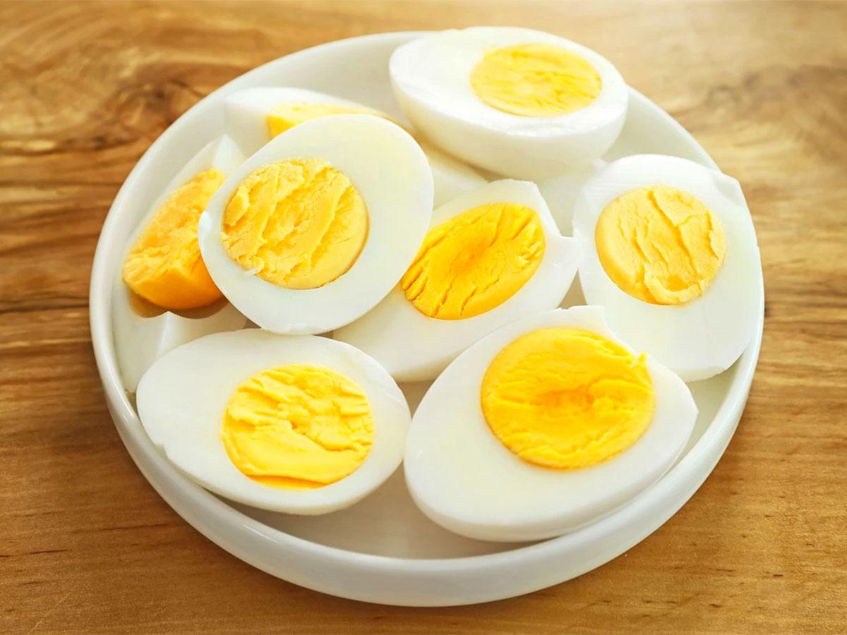 Uova ricamate della zia