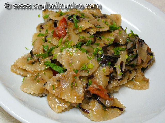 Farfalle con radicchio e tonno ricetta for Cuocere v cucinare