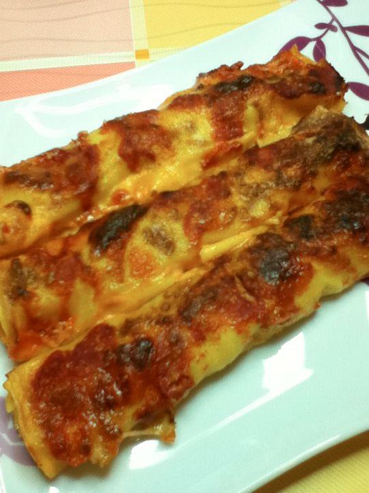 Cannelloni salsiccia, bietole e mozzarella