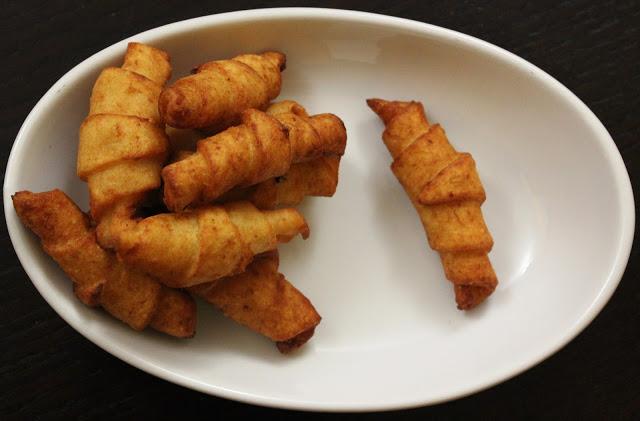 Brioches di patate ripiene