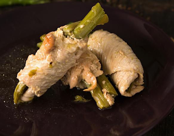 Involtini di tacchino con asparagi, profumi ed aromi