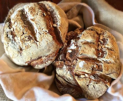 Pane rustico al malto di frumento tostato con fiocchi d'avena e birra