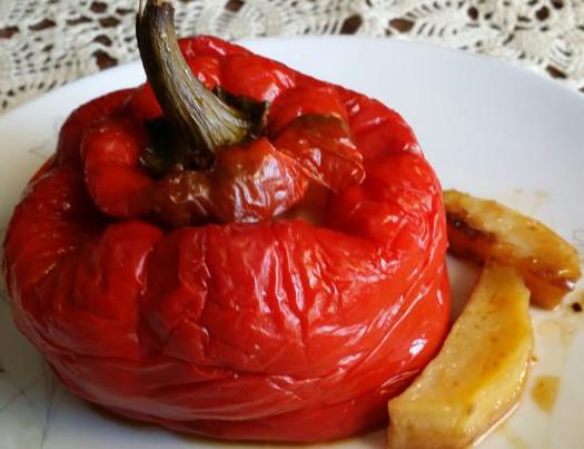 Peperoni ripieni con patate, pancetta e pecorino