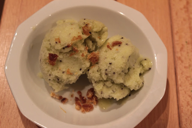 Sorbetto al kiwi guarnito con granella di zenzero candito for Cucinare zenzero