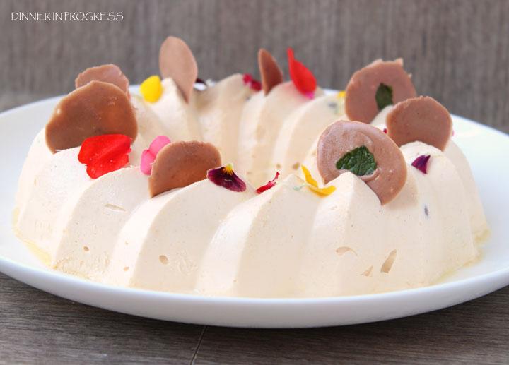 Torta gelato al caramello salato e nocciole