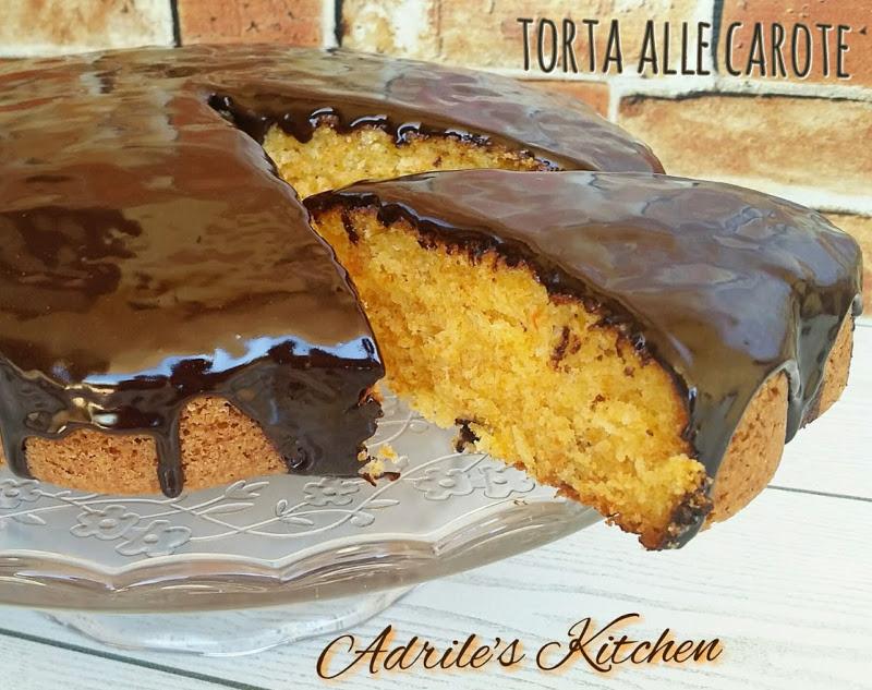 Torta di carote glassata al cioccolato