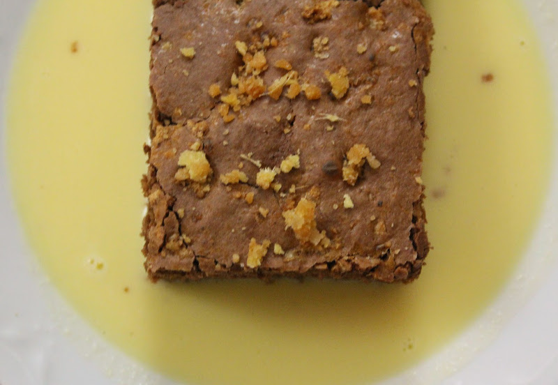 Torta con cioccolato e zenzero candito su crema inglese for Cucinare zenzero
