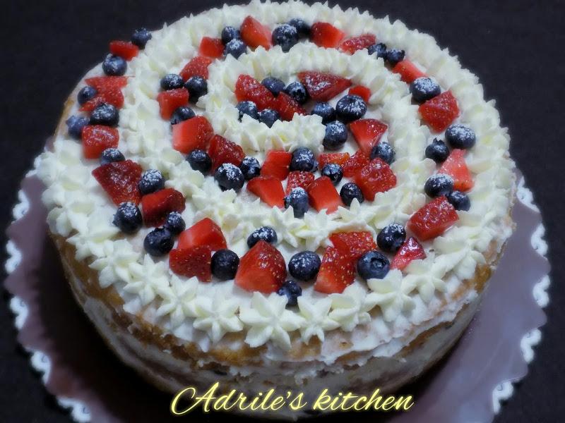 Torta spirale di frutta e panna