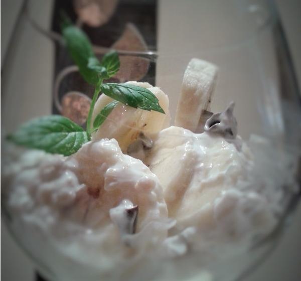 Yogurt greco con banana e cereali ricetta for Cucinare yogurt greco