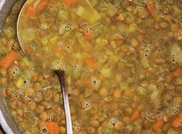 Zuppa al curry con lenticchie