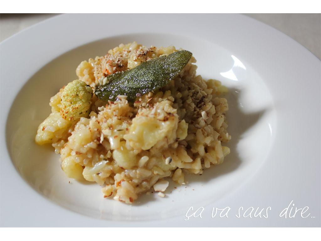 Risotto con cavolo mandorle e salvia for Cucinare risotto
