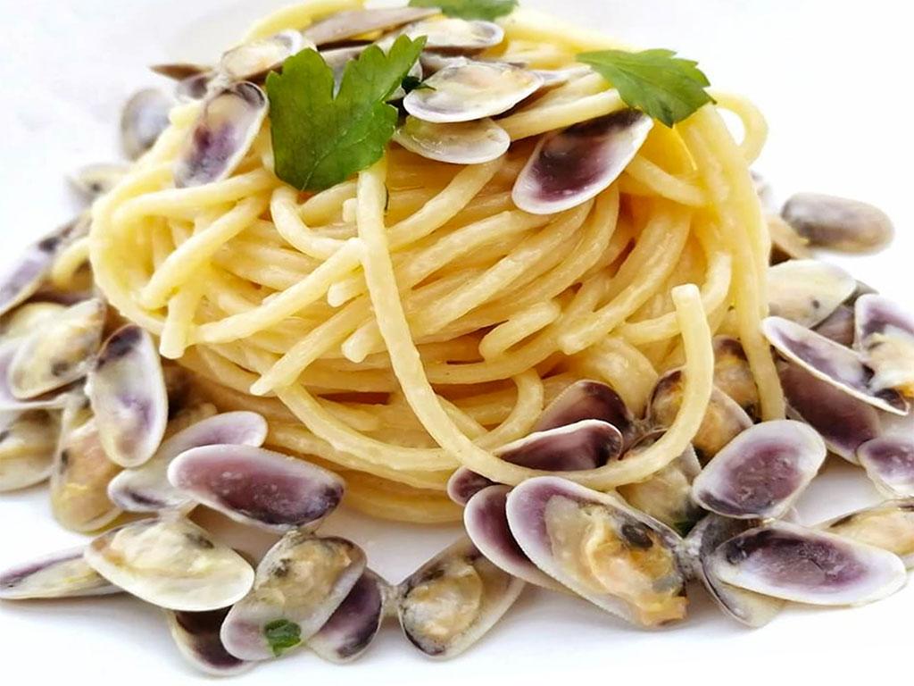 Spaghetti con vongole-telline
